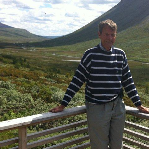 På gamle trakter: Den utflytta vangsgjeldingen og pensjonerte høyesterettsadvokaten Sverre Thune avbilda på Njukestølen i Smådalen.