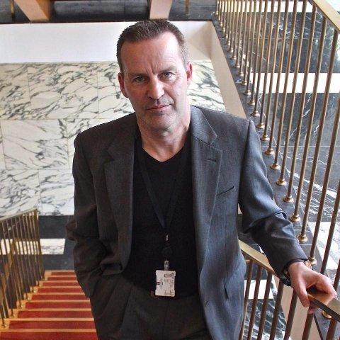 Ingvar Koppervik kledd for arbeid før koronaen tvang ham innendørs hjemme.