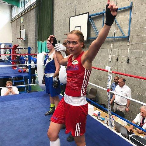 Madeleine Angelsen (19) fra Vestby har vunnet flere turneringer i sommer. Det ligger mye mental trening bak utenlandsseierne.