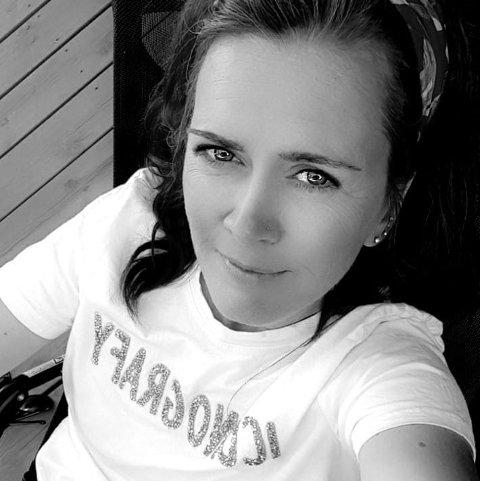 HAR FÅTT NOK: Tanja Bjerkaas føler det som en endeløs, utakknemlig og meningsløs oppgave å holde orden på Facebook-siden.