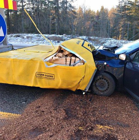 Slik endte ferden for en bilist på E18 i formiddag.