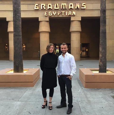 """Jim S. Hansen fra Mosjøen lagde """"Sameblod"""" sammen med blant annet Amanda Kernell. Her er de begge på premieren på Egyptian theatre i L.A."""