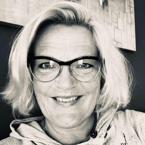 KONSTITUERT LEDER: Margrete Gjerdrum (47) overtar midlertidig som leder ved Krise- og Kompetansesenteret, en arbeidsplass hun har hatt i ni år.