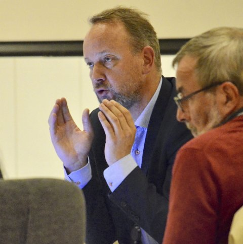 TYDELIG OPPFORDRING: Bjarte Grostøl ber om hjelp fra Askers innbyggere.