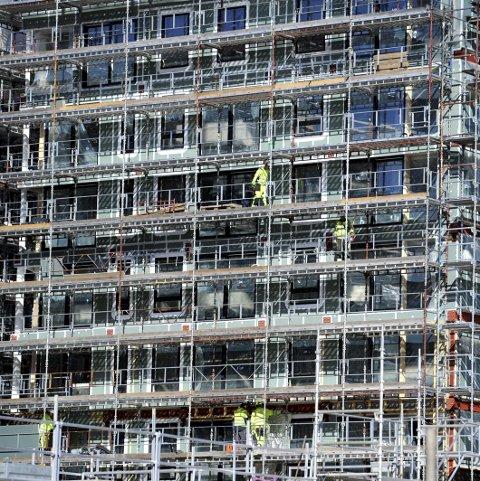 1. bygg: Dette bygget er i ferd med å reise seg. Ser du hvor det er?    Alle foto: Per Langevei