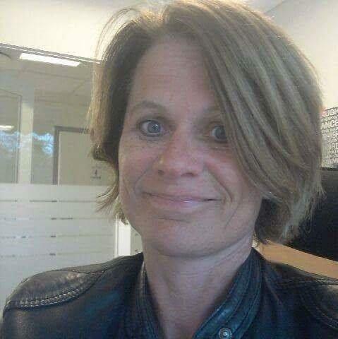 FORNØYD: Berit Mpe er svært fornøyd med jobben som Syver Gjevre og mannskap utfører