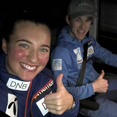 Maria Tviberg kan vise tommelen opp for sesongen 2019/20. Her med reisekompanjong og servicemann, Jonas Landsholm, bak rattet under en lang reise i Østerrike i vinter.