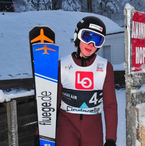 STOR FREMGANG: Benjamin Pettersen (19) satte nettopp sluttstrek for sin beste sesong i hoppbakken og nå venter førstegangstjeneste for Botne-talentet. Foto: Svein Halvor Moe