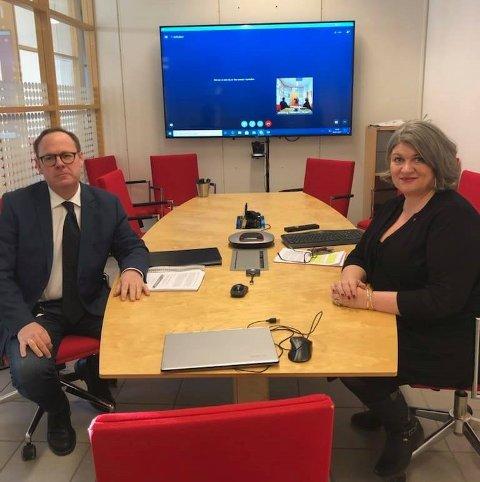 FØR MØTET: Ringsaker-rådmann Jørn Strand og Ringsaker-ordfører Anita Ihle Steen (Ap) før det digitale møtet med Helse Sør-Øst og Sykehuset Innlandet fredag.