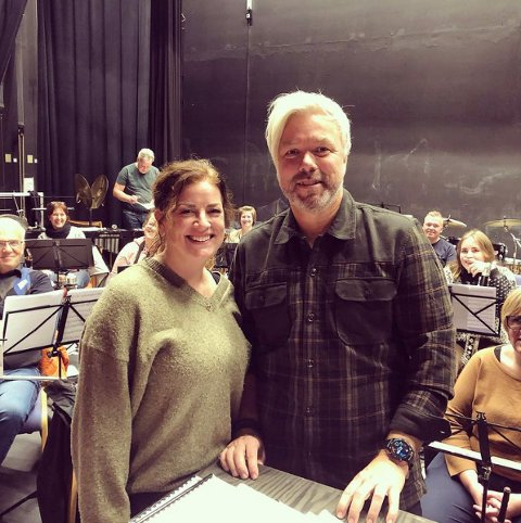 Underholdningskonsert: Julie S. Christensen og Rune Sørheim er solister på Ringsaker Janitsjar sin underholdningskonsert 30. oktober.