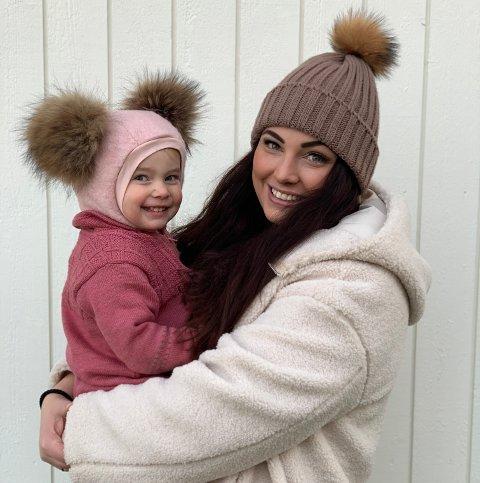 PÅ TV: Adeleine (snart to og et halvt) og mamma Victoria Tvenge-Carlsen gleder seg ekstra mye til NRKs julekalender i år.