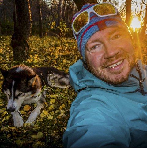 Hans Petter Sørensen er glad i å være på tur, både med og uten turkompisen.