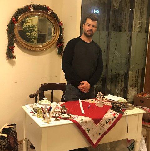 POP UP: Ole Martin Johansen driver pop-up butikken Martin's Antikk og brukt i St. Marie gate 107. Det har han gjort hele desember.