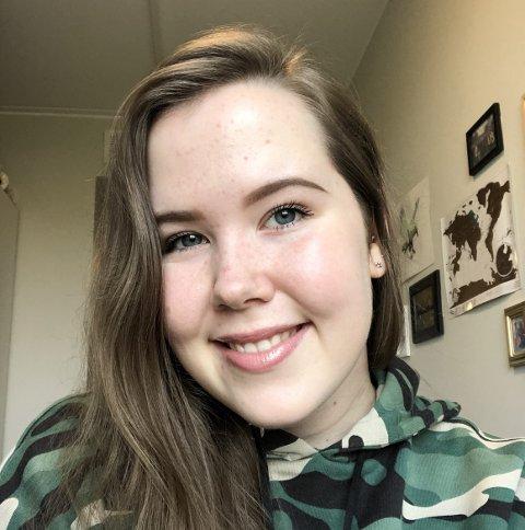 Pernille Fredriksen (21) studerer i Bodø og er avhengig av en deltidsjobb. Nå er hun permittert.