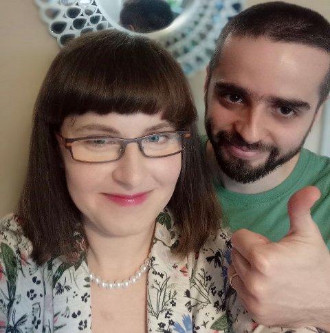I EKSTASE: Konrad Kozlowski og kona Agnieszka Kulig-Kozlowska er overlykkelig for gladmeldingen om at han får komme hjem til Norge.