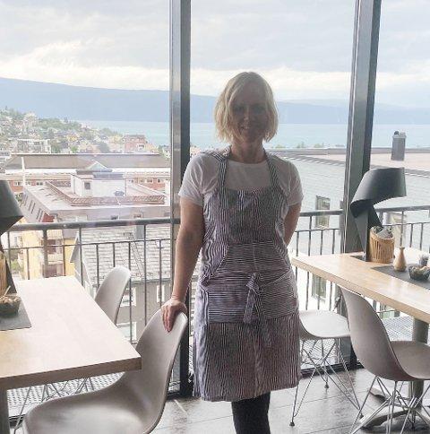 FORNØYD: Hilde Kvanmo er fornøyd med å være tilbake på Breidablikk Gjestehus.