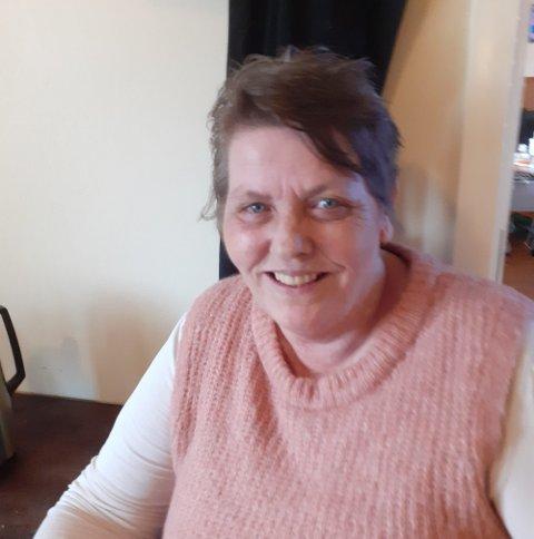 Lena Jacobsen er full av ros til hjelpemiddelsentralen i Kongsvinger.