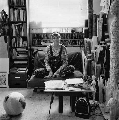 ANKI: Anki King blir portrettert i boka «Kunstnerliv», og deltar på gruppeutstilling i Galleri Fineart.