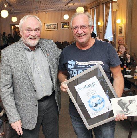 Før: Torstein Einrem (t.h.) fikk kommunal frivilligpris i 2013.