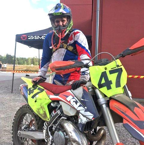 Sterkt: Rakstingen Oliver Fosser (15) var yngst av samtlige deltakere i Rännerracet i Sverige, men kjørte likevel inn til en sterk sjetteplass til slutt. Foto: Privat