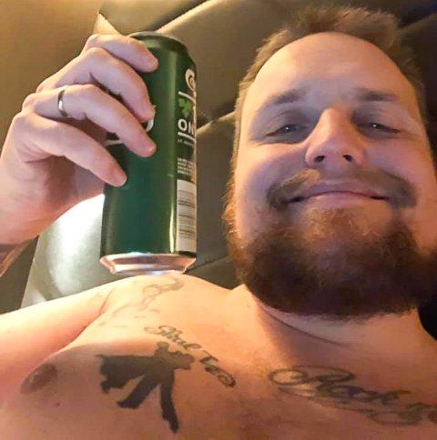 Stian Thorbjørnsen, eller Staysman, deler dette bildet med fansen på Facebook og forteller at han gleder seg til fredag på Vegarheim.