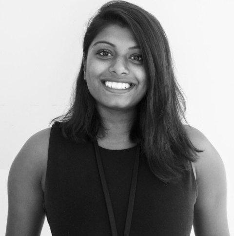 NY JOBB: Nora Mahendran Berge (33) kommer fra jobb i Oslo kommune til stillingen som leder i den kommunalt drevne frivilligsentralen i Nittedal.