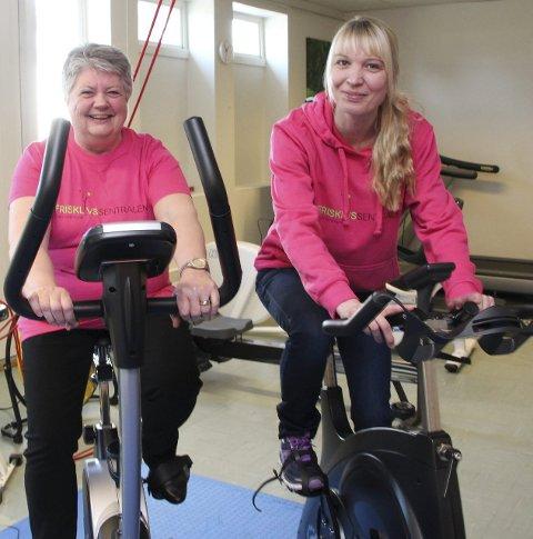 KURS: Marianne Heggen ved Frisklivssentralen i Gran(til høyre) inviterer igjen til diabeteskurs. Her med Ragnhild Sagadalen før oppstart av tilsvarende kur i mars i år.