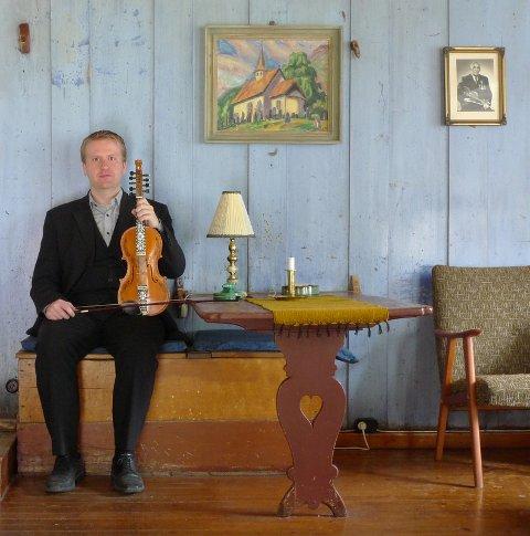 Per Anders Buen Garnås byrja å spela hardingfele i 6-årsalderen.