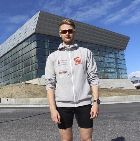 DEBUT: Årets Alstahaug maraton er den første for Emil Sorsell.