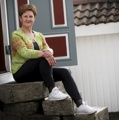 Vil bli ordfører: Tove Ødeskaug på trammen til kårboligen på gården Ødeskaug i Sande.foto: jarl rehn-Erichsen