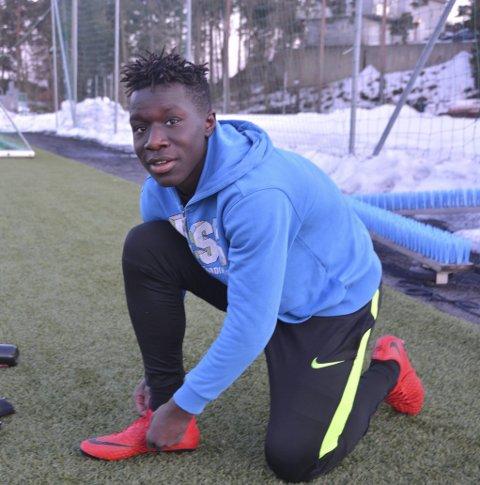 Talent: Emmanuel Baru Gisa er kanskje Kragerøs største fotballtalent for øyeblikket. 14-åringen fyller 15 i mai.