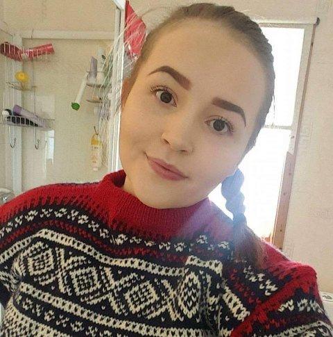 Victoria Helen Nyborg (21) vil lage og gi bort fire adventskalendere til barn som trenger det denne adventstida.