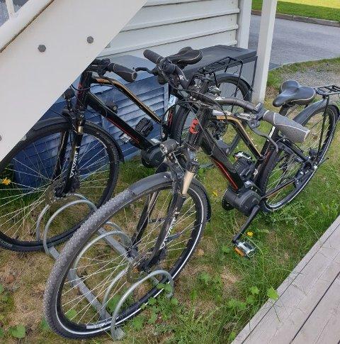 STJÅLET: Disse to elsyklene ble stjålet fra Sørbyen omsorgssenter.