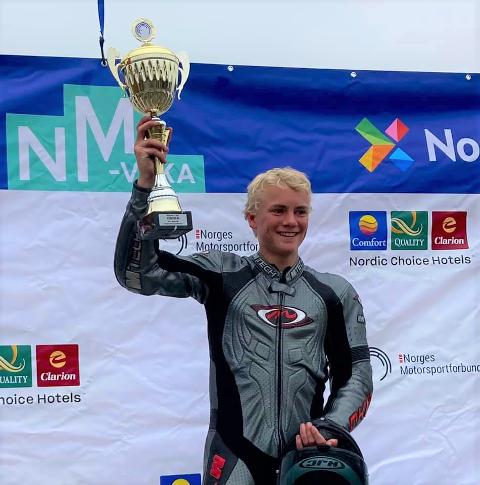 NM: I helgen ble Jens William Rustad (15) dobbelt norgesmester på Rudskogen.