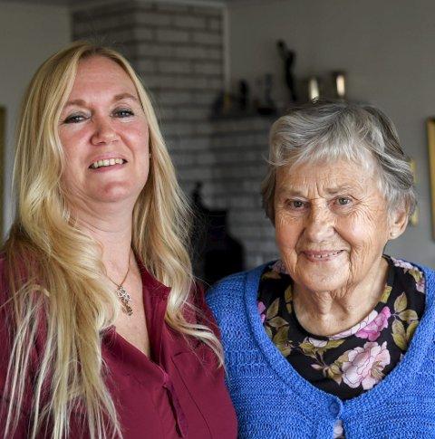 Varig vennskap: Kontakten som oppsto mellom Turid Iversen, frivillig i Termik, og Elsa Erlandsen utviklet seg til et vennskap som de begge setter pris på. Foto: Øyvind Bratt