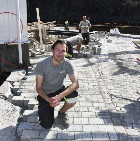 Godt arbeid: Stig Morgan Lundhaug, som bor i Holt, var Oveland Utemiljøs anleggsleder for Møllebekken-prosjektet.Arkivfoto