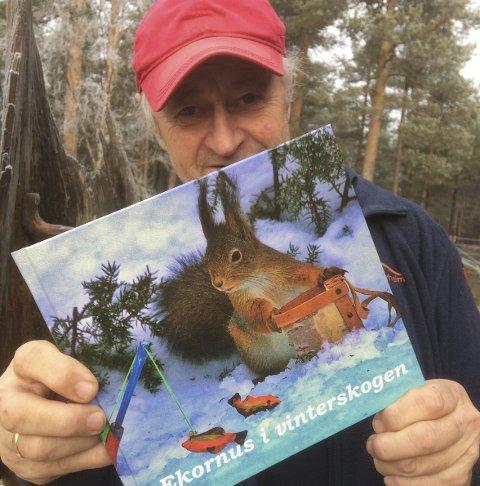 NY BOK: Arne A. Tønset med ny bok om Ekornus. Foto: Privat