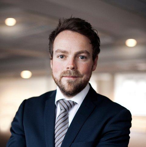 Næringsministere Torbjøen Røe Isaksen (H) oppfordrer enda flere Aust-Agder-bedrifter til å søke om forskningsmidler.