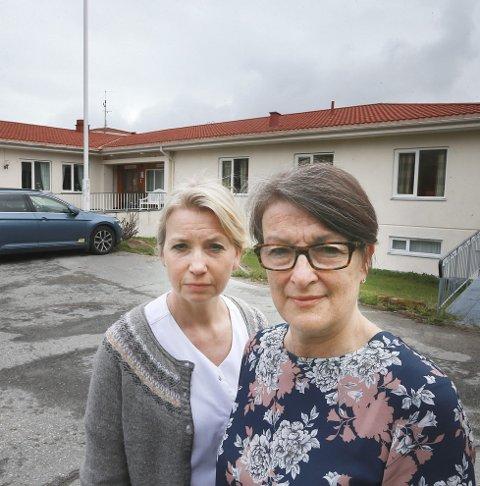Må holde stengt: Direktør Liv Herder og avdelingsleder for poliklinikken Bodil Skaar Olsen er to av tre ansatte som ikke er permittert. Bildet er tatt i en annen anledning