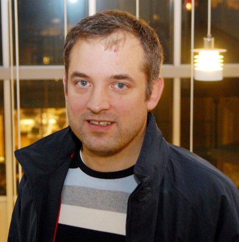 Tommy Dalheim sitter ett år til som leder i Sortland IL.