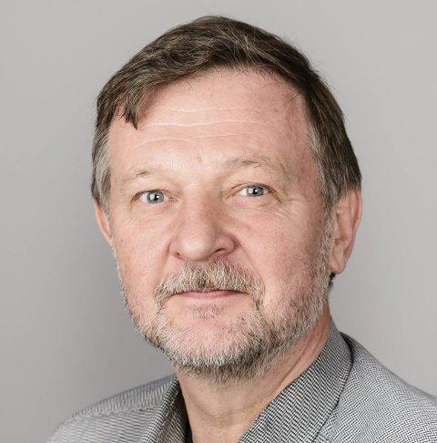 DRAMA: Richard Skretteberg løp i skjul for kuleregnet søndag.