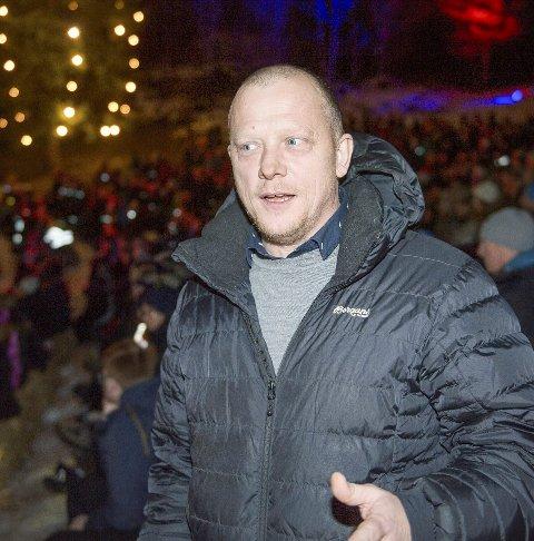 I FRONT: Jon Mihle leder Eikerdebatten på biblioteket 25. april.arkivfoto: Rune Folkedal