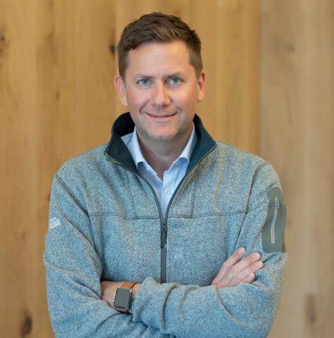 KNYTTER TIL SEG SMITTEVERNEKSPERT: Konsernsjef Daniel Skjeldam og Hurtiguten har engasjert professor Ørjan Olsvik til å gi råd om forebygging og bekjempelse av smitte.