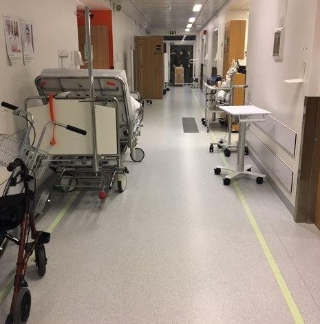 TRANGT: Slik så det ut i gangene på Kalnes tidligere denne måneden. Bildet er tatt av en tipser.