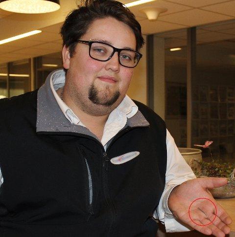 INGEN VET: Nortura har ingen forklaring på hvorfor Jan Eric Braa Wik Rognaldsen fikk en spiker i juleribba.