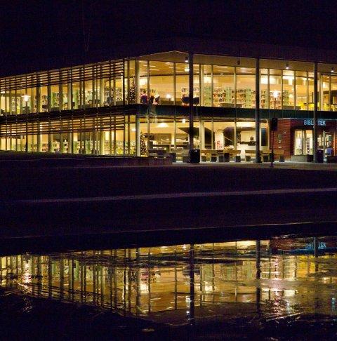 HELSE: Kongsvinger bibliotek fremmer folkehelsa.FOTO: OLE-JOHNNY MYHRVOLD