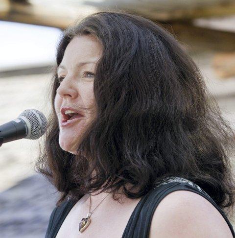 SPRÅKSTERK: Eva Vermundsberget skal formidle musikalske opplevelser på seks språk.FOTO: OLE-JOHNNY MYHRVOLD
