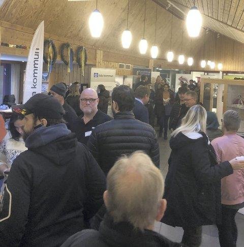 FULLT: Mer enn 400 møtte opp på jobbmessa i Morokulien.