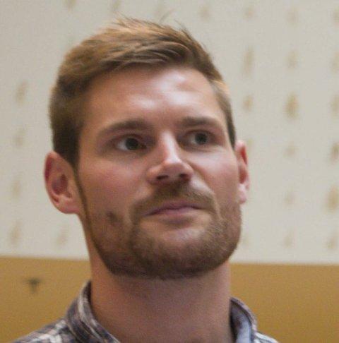 KRITISK: Stortingsrepresentant Nils Kristen Sandtrøen (Ap).