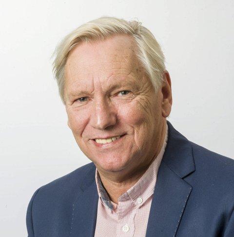 UTSETTELSE: Stig Holm (Uavhengig) sa ja til utsettelse.